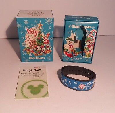 Disney Mickeys Very Merry Christmas Party Magic Band Limited Edition 2016