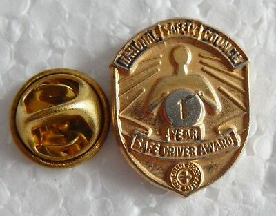 Vintage National Saftey Council 1 Year Safe Driving  Award Pin