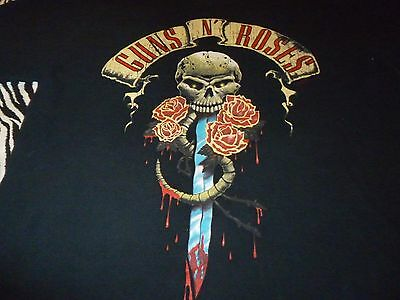 Guns N' Roses Shirt ( Used Size L )  Good Condition!!!