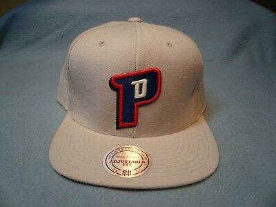 b1af1c51959 Mitchell   Ness Detroit Pistons Solid BRAND NEW Snapback cap hat Basketball  NBA
