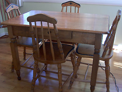 1900's Vintage Wood Dough Table w/ 4 Chairs Kitchen Nook Dining Breakfast