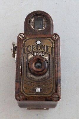 Lovely Art Deco CORONET MIDGET 16 mm Camera, Brown Bakelite tortoishell design!