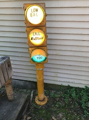 Retired McCain Traffic Supply Signal Stop Light With Base