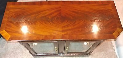 "American Furn. Co. 1986 Solid Mahogany lighted 32"" Curio"