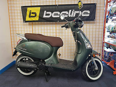 Beeline Memory 50cc retro scooter moped BRAND NEW 67Reg classic look sports ride