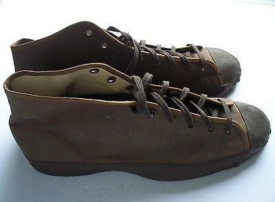 Vintage 1940's Brown Canvas Hi-top Sneakers / Men's Size 8 / New Old Stock