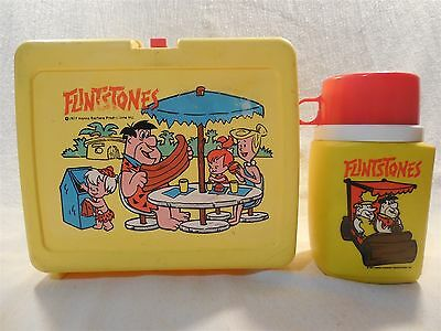 Flintstones 1977 Thermos Brand Plastic Lunch Box & Thermos Bottle Picnic Scene