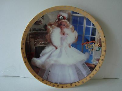 ENESCO Barbie Collector Plate. HAPPY HOLIDAYS BARBIE 1989! With C.O.A Beautiful!