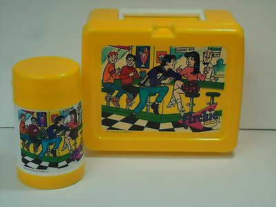 Archie Comics Lunchbox-Thermos-Riverdale-Betty-Veronica-1990-Plastic-Pop Shoppe