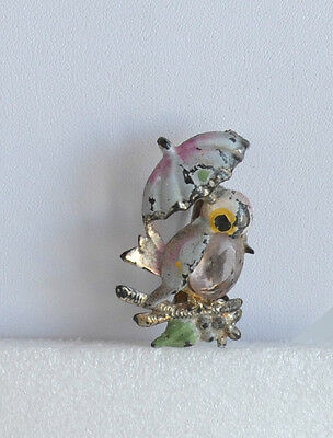 VINTAGE art deco hand painted plastic BROOCH PIN jelly belly bird & umbrella
