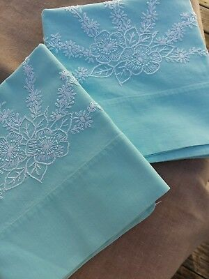 Vtg. Light Green PEPPERELL LUXURY MUSLIN Pillowcases, 42 by 38, White Embroidery