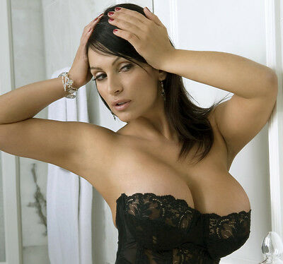 Denise Milani 2,500 Pictures Collection Vol 10 DVD (Photo/Images Disc)