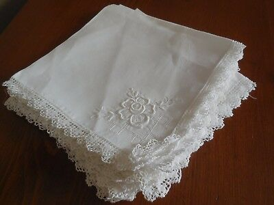 6 Large Vintage Linen Dinner Napkins 15 x 15 with lace edge & flower detail