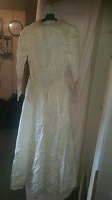 Vintage ?wedding /bridesmaid Dress  Silky Long Sleeves Ivory Lace Trim 30 Chest
