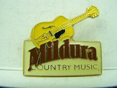 1990's Mildura Country Music Festival pin back badge                        1084