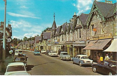 Atholl Road & Old Cars, PITLOCHRY, Perthshire