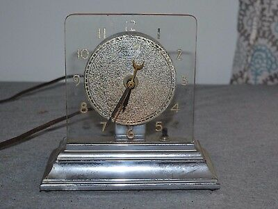 Vintage ART DECO VIKING Moon-Glo Table Electric Clock Lights Up Glass