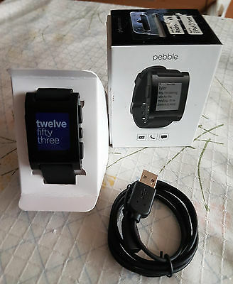 Reloj inteligente SmartWatch Pebble Classic 301BL color negro.