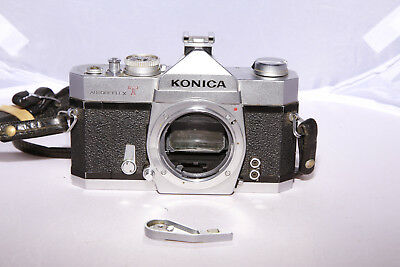 Konica Autoreflex T - For Parts & Repair - Ships from Canada!