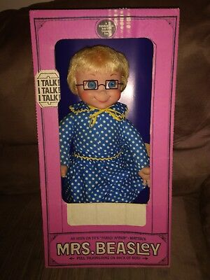 "1967 Mrs Beasley Doll ""Talking"" near Mint in her Original box"