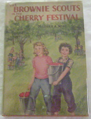 Brownie Scouts 03: In The Cherry Festival—Wrap-Spine Jacket/orange Hardcover