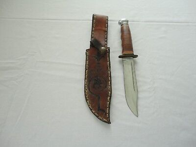 Vintage KABAR Model 1207 USA Fighting Hunting Knife with Tooled Leather Sheath