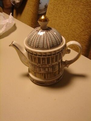 Tea Pot - James Sadler - St Paus Cathedral London Feature. Lovely Collectable