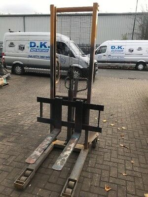 1 Ton x Hand Stacker - 1000KG Manual Hydraulic Fork Pallet Truck