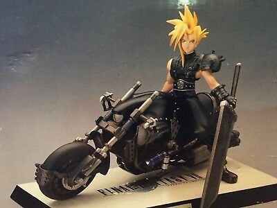 Kotobukiya - Final Fantasy VII - Cloud Strife on Hardy Daytona 1/8 Scale