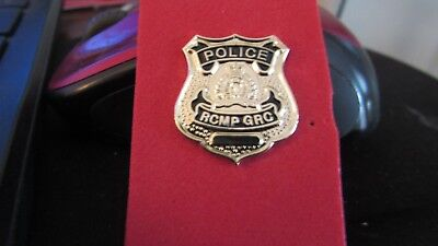 Badge Style Silver Tone RCMP Pin