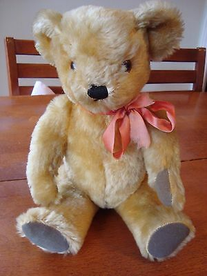 Beautiful DEANS RAG Mohair Bear. VINTAGE! With Tag! A Must See!
