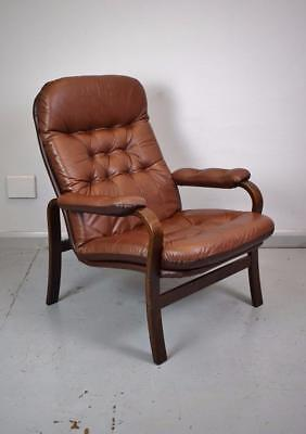 Mid Century Retro Danish Brown Leather Buttoned Lounge Arm Chair 1970s