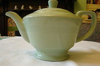 Vintage Woods Beryl large teapot 2 pint Made in England