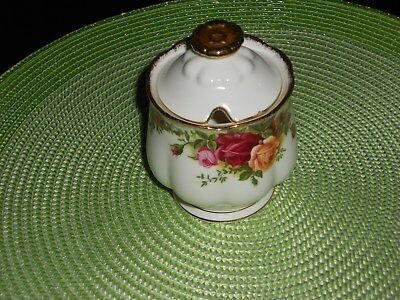 Royal Albert Old Country Roses JAM Pot undermarked mint with Lid approx 14 cm