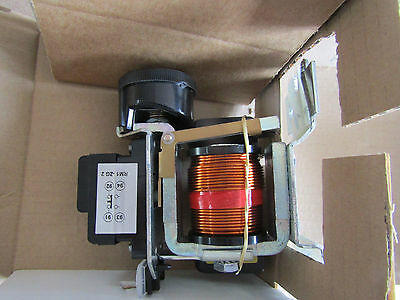 Schneider Electromagnetic Relay RM1XA004 - NEW - £300 RRP 7448626 (P1)