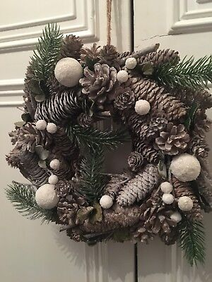 New Realistic Snowy Large Christmas Wreath With 10 Led Lights Pine Cones Glitter