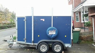 Ifor Williams twin horse trailer (HB505R)