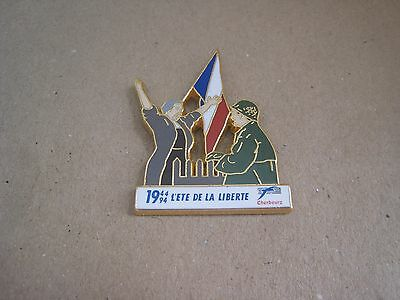 16-01 - 50th anniversary of the D DAY pin - June 6, 1944 pinback - Cherbourg