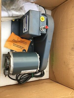 Welch 1399 vacuum pump