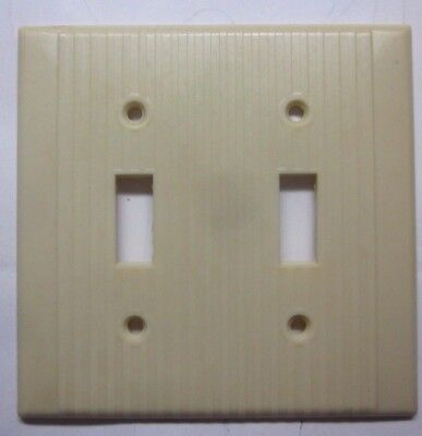 Vintage Leviton Ribbed Beige Bakelite 2 Gang Switch Wall Plate Cover w.chip Deco