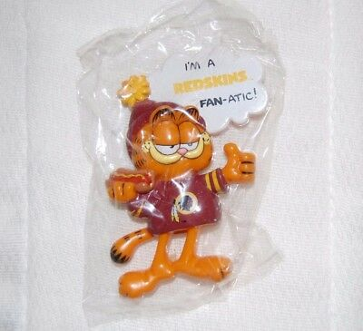 "Vintage Enesco Licensed ""Garfield Washington Redskins"" NFL Fan-Atic Magnet"
