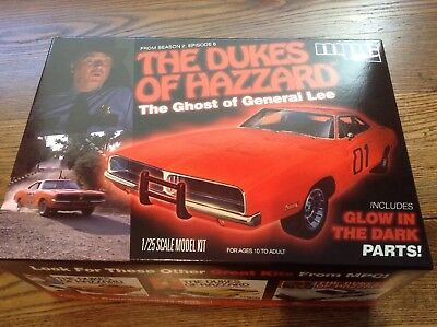 """MPC 754/12 2010 THE DUKES OF HAZZARD """"GHOST OF GENERAL LEE"""" 1/25 model Car"""