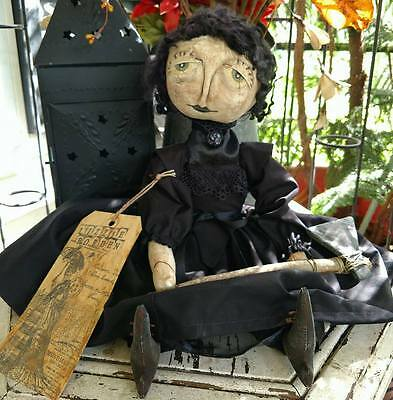 Lizzie Borden Primitive Doll Axe Handmade Handpainted Sit/hang Decoration