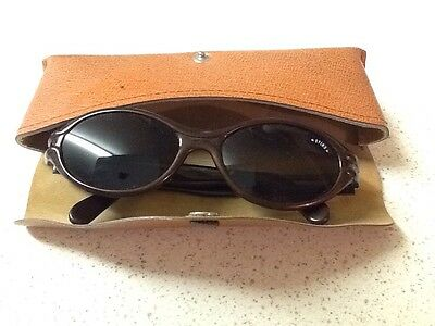 Retro Sting Sunglasses With Case