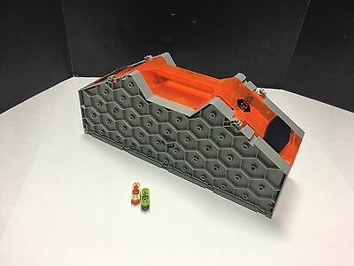 Hexbug Nano Hive Habitat With Two Hexbugs Read Description