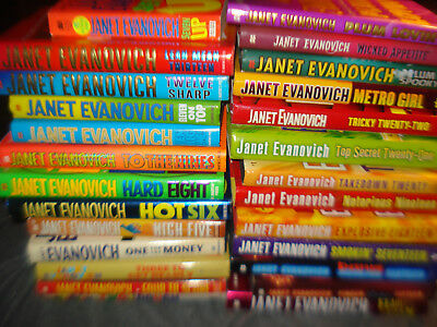 Lot Of  26 Janet Evanovich Hard Cover Books 1 - 22 + Between The Numbers +++