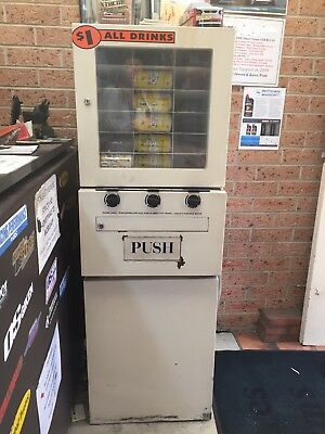 Drink Vending Machine Fridge in good working condition coin operated