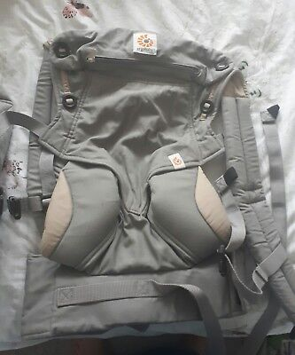 Ergo Baby Carrier - 360 Four Position bundle of joy with infant insert - Grey