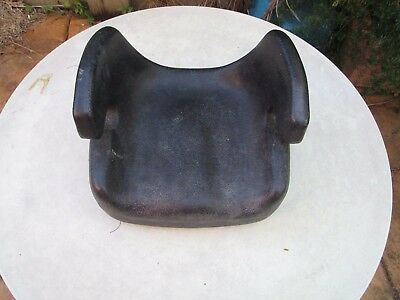 Babylove Model 700 childs car booster seat