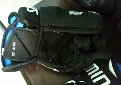 ice hockey gloves jnr large and elbow pads